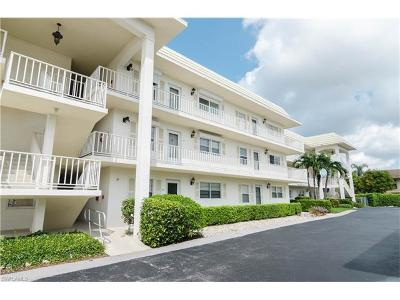 Naples Condo/Townhouse For Sale: 3055 Riviera Dr #105
