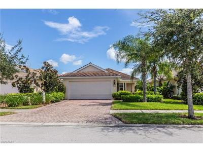Naples  Single Family Home For Sale: 8721 Querce Ct
