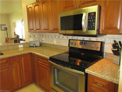Naples Condo/Townhouse For Sale: 3950 Loblolly Bay Dr #3-404