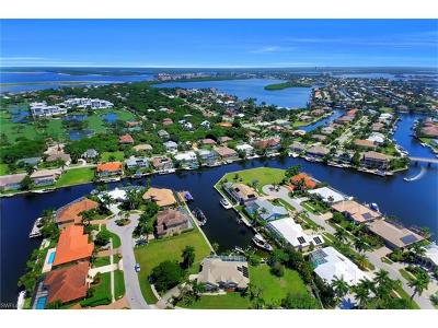 Marco Island Single Family Home For Sale: 370 Cottage Ct