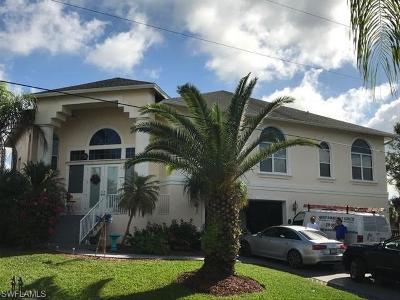 Bonita Springs Single Family Home For Sale: 27171 Harbor Dr