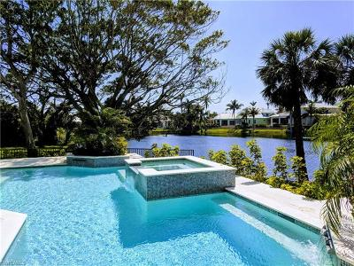 Naples Single Family Home For Sale: 660 East Lake Dr
