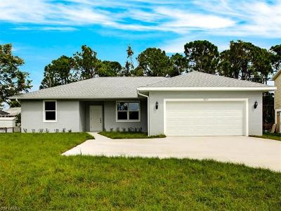 Collier County, Lee County Single Family Home For Sale: 8337 Trillium Rd