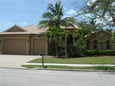 Naples Single Family Home For Sale: 14636 Beaufort Cir