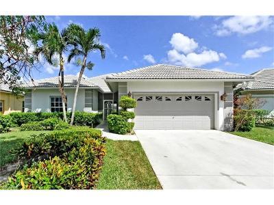 Naples Single Family Home For Sale: 7007 Falcons Glen Blvd