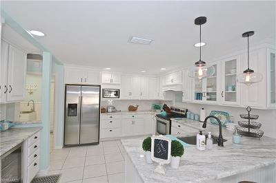 Bonita Springs Single Family Home For Sale: 28421 Highgate Dr