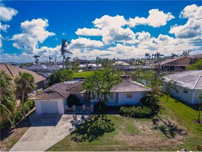 Marco Island Single Family Home For Sale: 583 Tripoli Ct