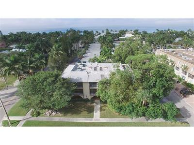 Naples FL Condo/Townhouse For Sale: $899,000