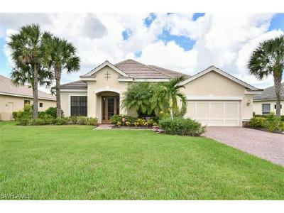 Fort Myers Single Family Home For Sale: 13471 Sabal Point Dr