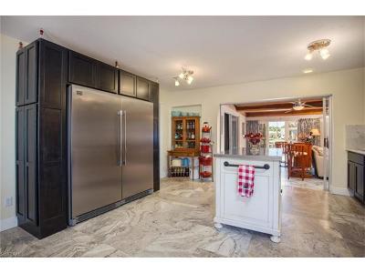 Fort Myers Single Family Home For Sale: 127 Albatross St