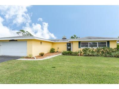 Palm River Single Family Home For Sale: 424 Golfview Dr