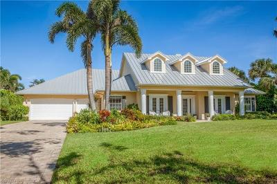 Naples Single Family Home For Sale: 595 Coral Dr