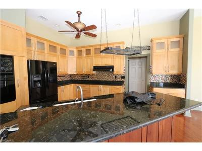 Marco Island Single Family Home For Sale: 219 Sunflower Ct