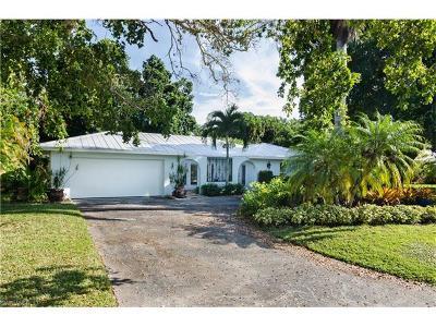 Park Shore Single Family Home For Sale: 625 Parkview Ln