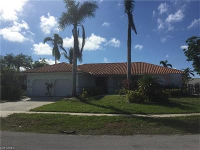 Marco Island Single Family Home For Sale: 1782 Maywood Ct