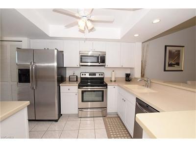 Condo/Townhouse For Sale: 267 Deerwood Cir #14-14