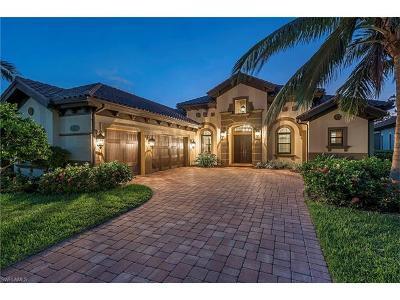 Naples Single Family Home For Sale: 6457 Costa Cir