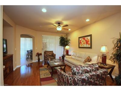 Fort Myers Condo/Townhouse For Sale: 9952 Chiana Cir