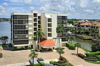 Naples Condo/Townhouse For Sale: 10420 Gulf Shore Dr #111