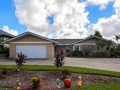 Cape Coral Single Family Home For Sale: 3907 SE 21st Pl