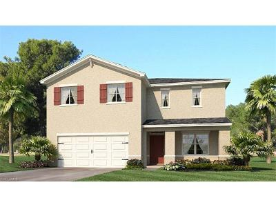 Cape Coral Single Family Home For Sale: 3467 Acapulco Cir