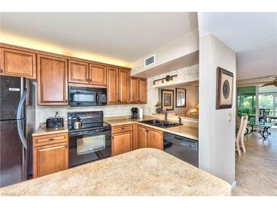 Fort Myers Condo/Townhouse For Sale: 18044 San Carlos Blvd #135