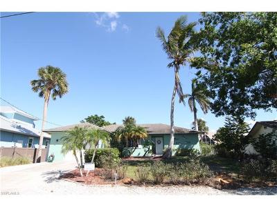 Naples Single Family Home For Sale: 3193 Lakeview Dr