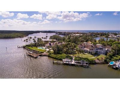 Naples, Marco Island, Sanibel, Captiva, Longboat Key, Sarasota, Osprey, Nokomis, Boca Grande Single Family Home For Sale: 4295 Cutlass Ln