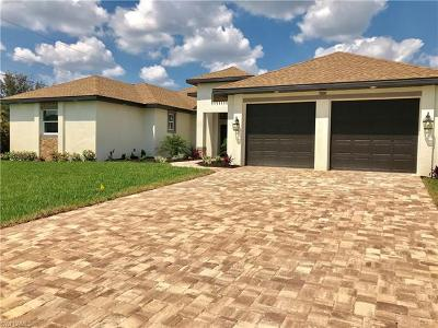 Cape Coral Single Family Home For Sale: 1810 SW 23rd Ct