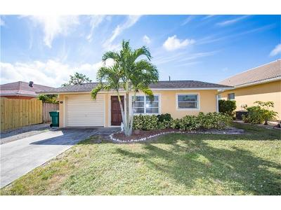 Naples Single Family Home For Sale: 690 99th Ave N