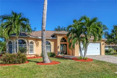 Naples Single Family Home For Sale: 1000 Moon Lake Dr