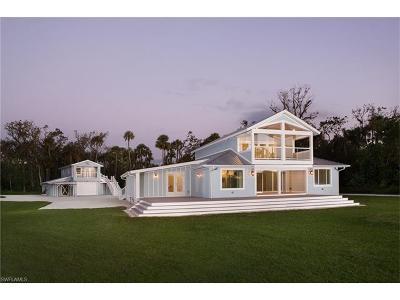 Single Family Home For Sale: 639 Live Oak Ln