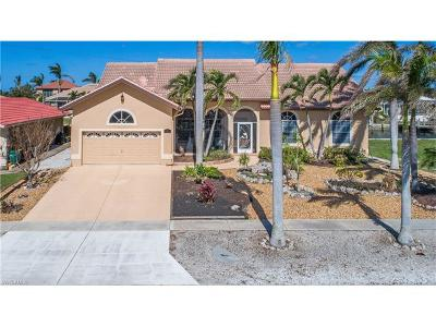 Marco Island Single Family Home For Sale: 1112 Breakwater Ct