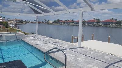 Marco Island Single Family Home For Sale: 61 S Seas Ct