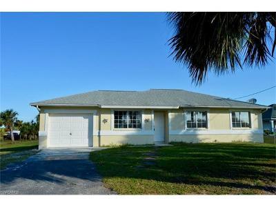 Naples Single Family Home For Sale: 3391 20th Ave NE