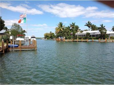 Marco Island Single Family Home Pending With Contingencies: 1755 Wavecrest Ct