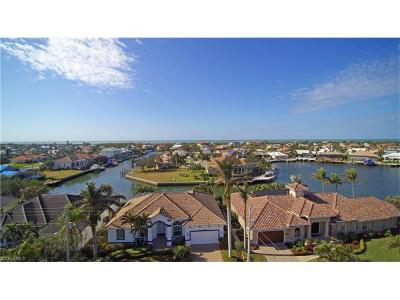 Marco Island Single Family Home For Sale: 630 Kendall Dr