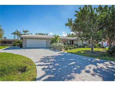 Fort Myers Beach Single Family Home For Sale: 410 Madison Ct