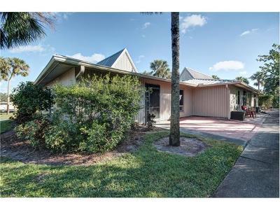 Naples Condo/Townhouse For Sale: 900 Henderson Creek Dr #B-109