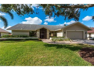 Naples Single Family Home For Sale: 2516 Kings Lake Blvd