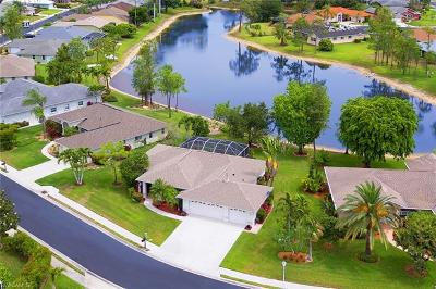 Fort Myers Single Family Home For Sale: 7599 Woodland Bend Cir