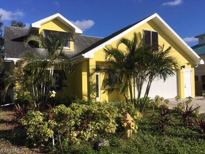 Bonita Springs Single Family Home For Sale: 11092 Cherry Street St