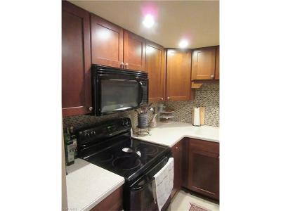 Marco Island Condo/Townhouse For Sale: 1047 Hartley Ave #111