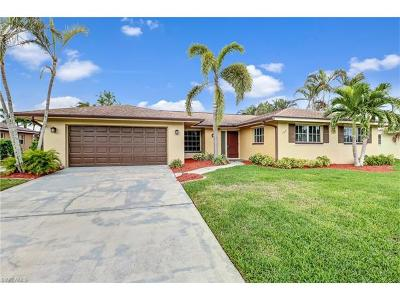 Single Family Home For Sale: 105 Doral Cir