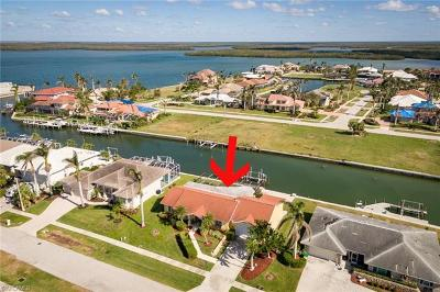 Bonita Springs, Fort Myers Beach, Marco Island, Naples, Sanibel, Captiva Single Family Home For Sale: 219 Windbrook Ct
