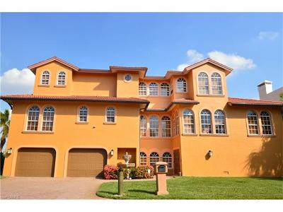 Fort Myers Single Family Home For Sale: 21411 Widgeon Ter #13