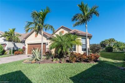 Naples Single Family Home For Sale: 16133 Camden Lakes Cir