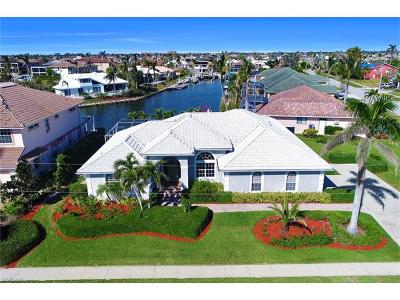 Marco Island Single Family Home For Sale: 1050 Coronado Ct