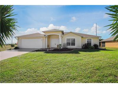 Cape Coral Single Family Home For Sale: 310 NW 8th Ter