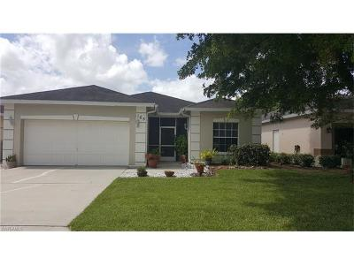 Naples Single Family Home For Sale: 165 Stanhope Cir